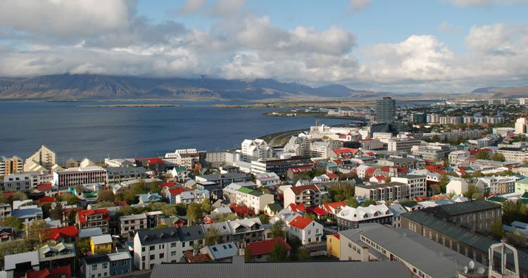 Utsikt över Reykjavik från Hallgrimskirjans torn
