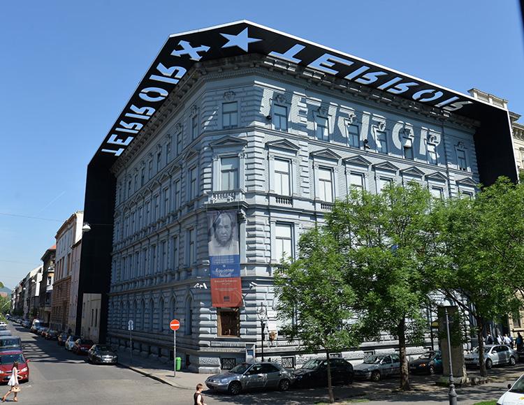 House of Terror, museum över totalitära regimer som drabbat Ungern