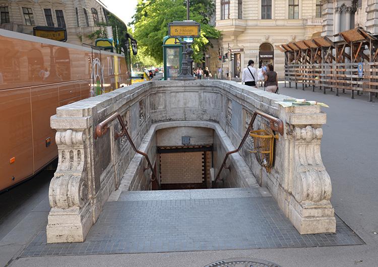 Nedgång till tunnelbanan