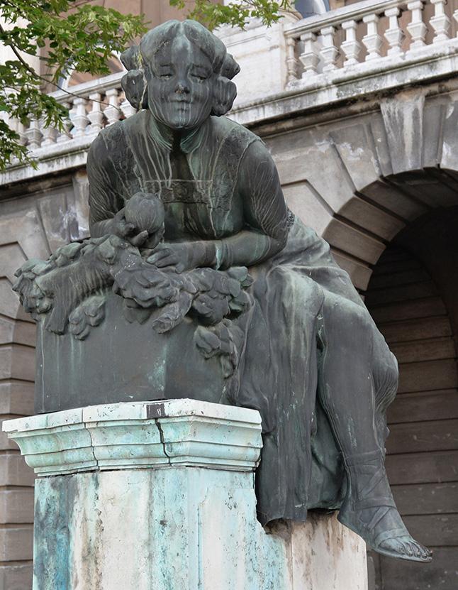 Det finns gott om statyer i Budapest