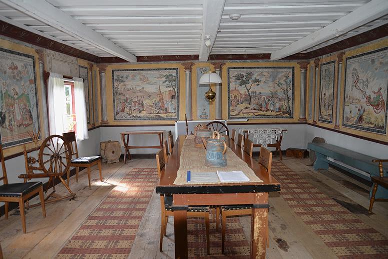 Koversta nr 2 - interiör. Väggmålningar av Hans Wikström.