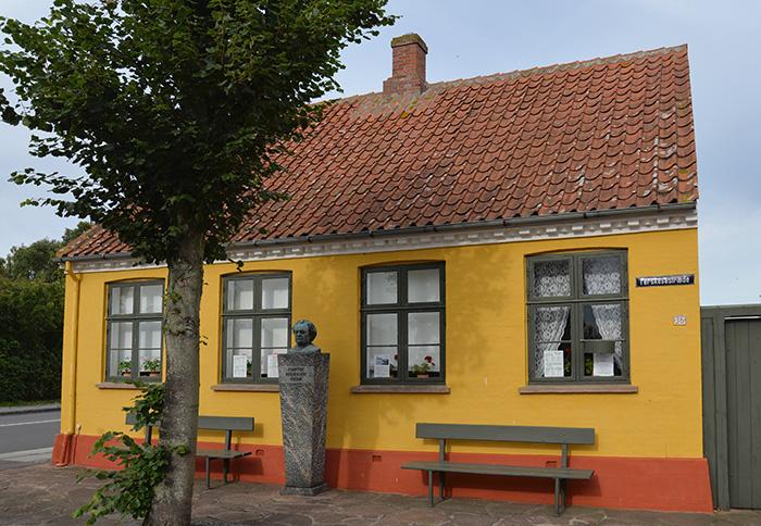 Författaren Martin Andersen Nexö bodde och verkade här