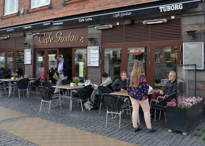Café Gustav på Stora Torget i Rönne