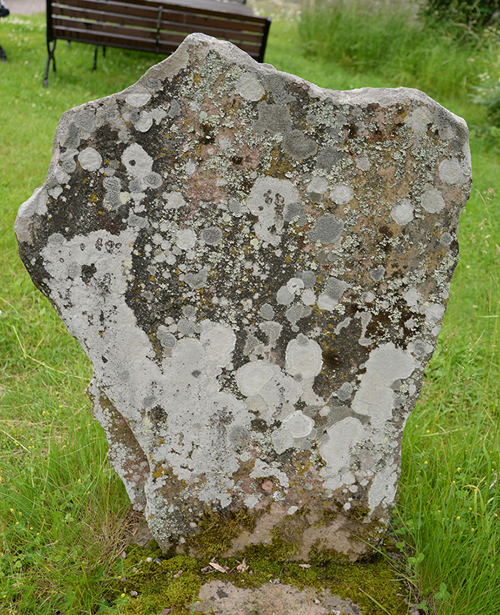U 851, stenens baksida