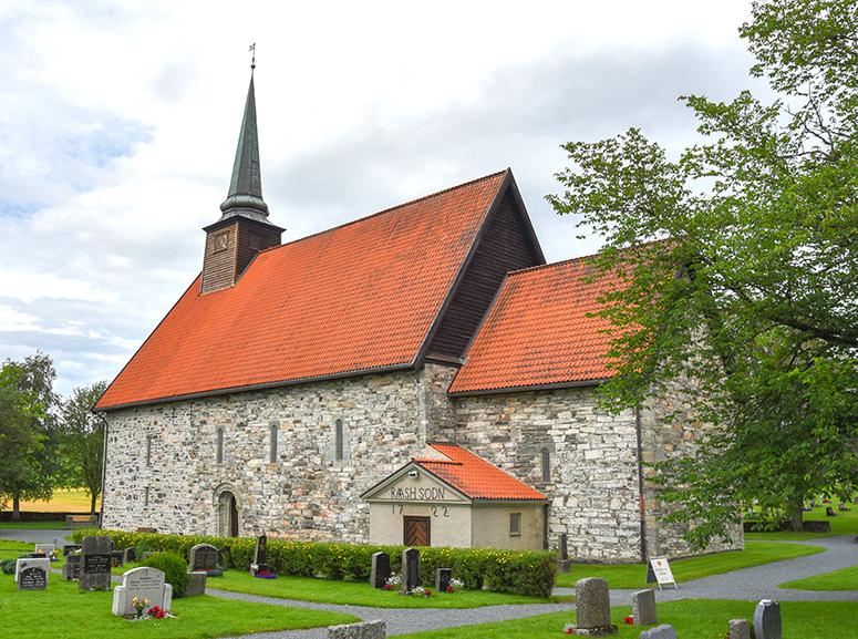 Norge-20-stiklestad-kyrka-4