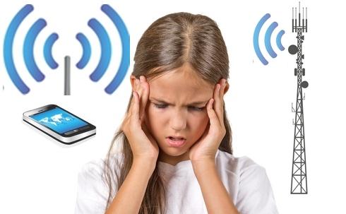 flicka_somnproblem_wifi__mast_mobil